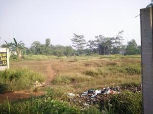 Tanah dijual di klapanunggal narogong Luas 2,2 ha /shm Harga Rp 1,5 jt /m Hub : 0813 8162 0703 /david