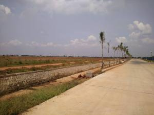 Dijual tanah di marunda center Luas 10 ha/hgb Harga Rp 6,5 jt/m Hub : 0813 8162 0703/david